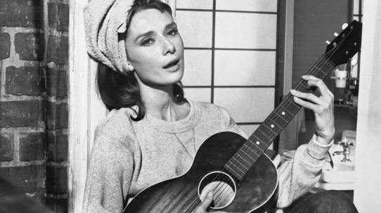 Audrey Hepburn singing Moon River in Breakfast at Tiffany's