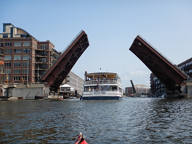 A drawbridge over the Milwaukee River