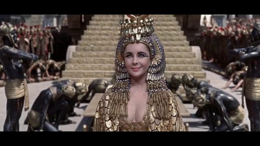 Elizabeth Taylor as Cleopatra enters Rome.