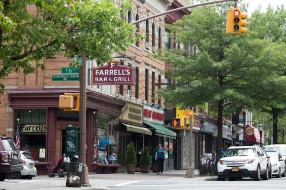 Farrell's Bar & Grill, Brooklyn