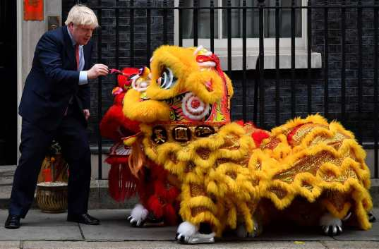 Boris Johnson and Chinese dragon