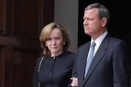Justice John Roberts and wife.
