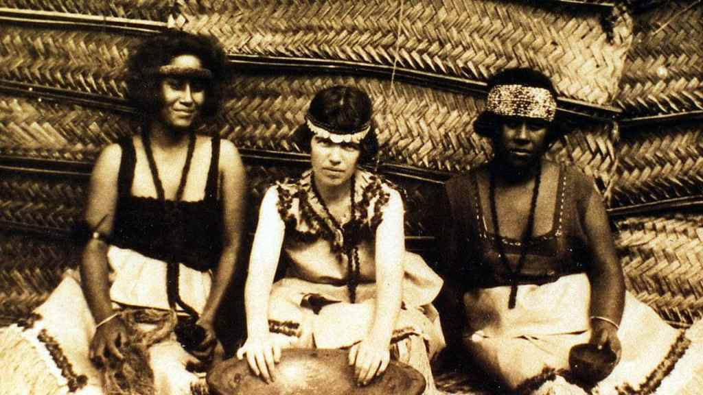 Margaret Mead with Samoan girls.