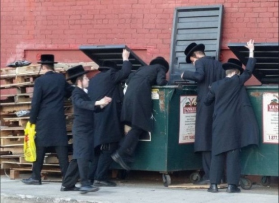 Hassids dumpster diving